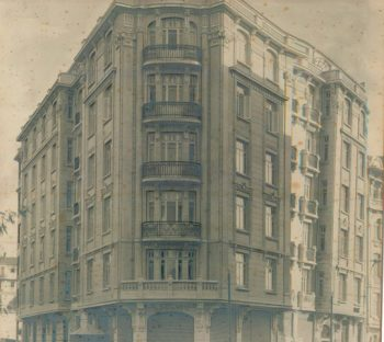 Narmanlı Apartment - 1900